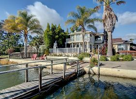 Four Bedroom Waterfront Home photos Exterior