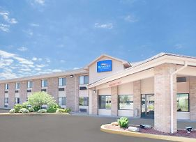 Baymont By Wyndham Port Huron photos Exterior