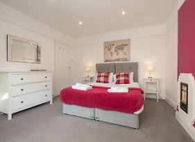 Ideal Chelmsford Serviced Riverside Apartment 3 Bed Perfect For Broomfield Hospital Chelmsford City Centre Shopping A12 photos Exterior