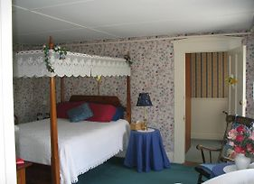 Old Red Inn & Cottages photos Room