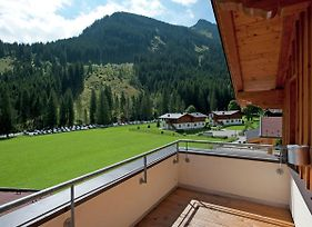 Cozy Chalet In Saalbach-Hinterglemm With Terrace photos Exterior