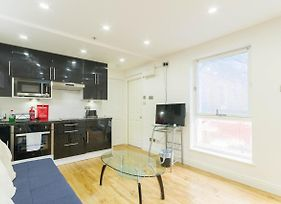 Leicester Square Just Renovated 2Bd Mezzanine Flat photos Exterior