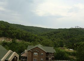 Pool Hot Tub Free Wifi 2.2 Miles From Silver Dollar City #703603 2 Bedroom Condo photos Exterior