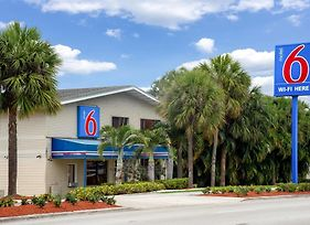 Motel 6 Fort Lauderdale photos Exterior