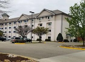 Intown Suites Extended Stay Newport News/I-64 photos Exterior