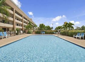 Super 8 By Wyndham Fort Myers photos Exterior