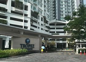 Tropez @Danga Bay Studio Apartment photos Exterior