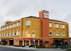 Gateway Inn And Suites Hotel photos Exterior
