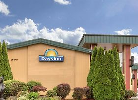 Days Inn By Wyndham Black Bear photos Exterior
