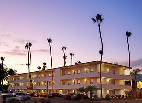 Super 8 By Wyndham Santa Barbara/Goleta photos Exterior