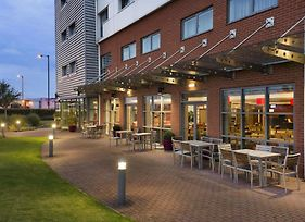 Ramada Encore By Wyndham Doncaster Airport photos Exterior