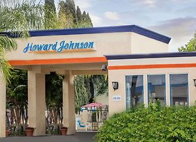 Howard Johnson Hotel & Suites By Wyndham Orange photos Exterior