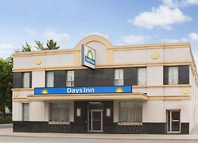 Days Inn By Wyndham Toronto East Beaches photos Exterior