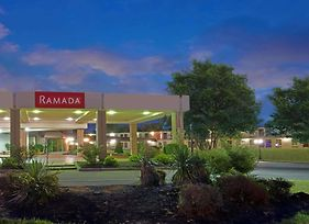 Ramada By Wyndham Louisville North photos Exterior