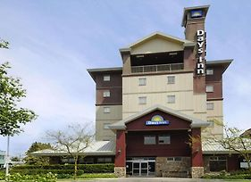 Days Inn By Wyndham Vancouver Airport photos Exterior
