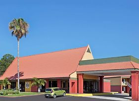 Days Inn By Wyndham Cocoa Cruiseport West At I-95/524 photos Exterior