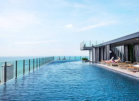 The Base Central Pattaya By Favstay photos Exterior