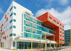 Courtyard By Marriott Santa Monica photos Exterior