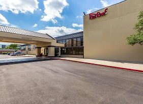 Red Roof Inn & Suites Houston - Iah Airport Sw photos Exterior