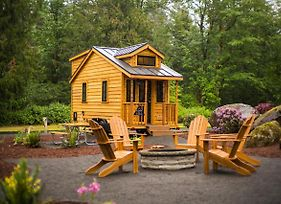 Mount Hood Village Atticus Tiny House 8 photos Exterior