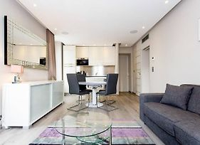 1 Bedroom In Front Of The Palais! photos Exterior