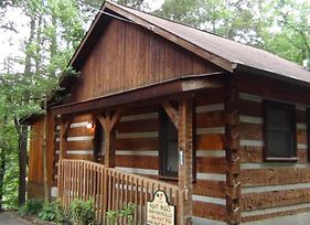 Leather And Lace 1615 One Bedroom Cabin photos Exterior
