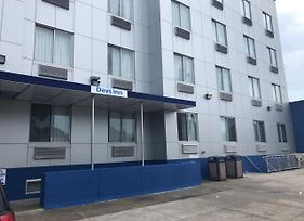 Days Inn By Wyndham Brooklyn Borough Park photos Exterior