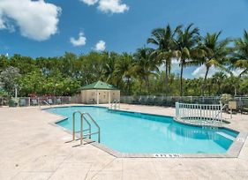 Sunrise Suites Grand Bahama Suite #106 photos Exterior