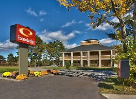 Econo Lodge Maine Mall photos Exterior