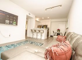 New Fantastic Hollywood Luxury 2B 2B 5Bed Free Parking photos Exterior