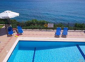 Skala Villa Sleeps 6 T228146 photos Exterior