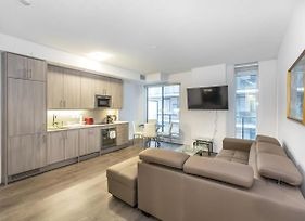Toronto Furnished Living College Street Elevate Rooms photos Exterior