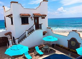 1-Bedroom Courtyard Villa! Beautiful Location On Malecon. In Downtown photos Exterior