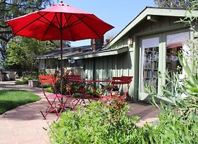 """""""Pepper Tree Cottage"""" Panoramic Views Of Carmel Valley, Walking Distance To The Village photos Exterior"""