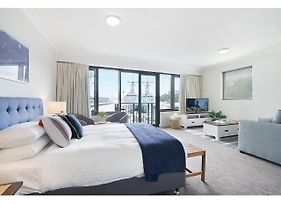 King Size Studio With Water View Walk To The City photos Exterior