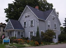 Four Creeks Bed&Breakfast photos Exterior