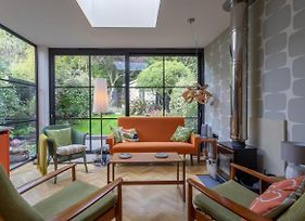 Homely 2 Bedroom House In South East London photos Exterior