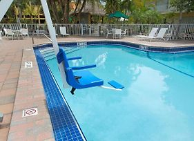 Ramada By Wyndham Fort Lauderdale Airport/Cruise Port photos Exterior