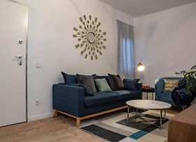 Charming, Chic 2 Bed Near Madrid City Centre photos Exterior
