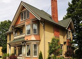 Ludington House Bed And Breakfast photos Exterior