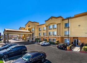 Comfort Inn & Suites Sacramento - University Area photos Exterior