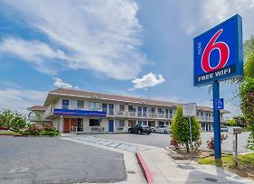 Motel 6 Bakersfield Airport photos Exterior