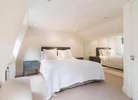 Lovely 3 Bedroom House In South Kensington photos Exterior