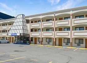 Travelodge By Wyndham Manhasset photos Exterior