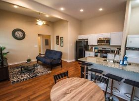 3Br/2Ba Remodeled Apartment Near Downtown photos Exterior