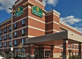 La Quinta Inn & Suites By Wyndham Edmond photos Exterior