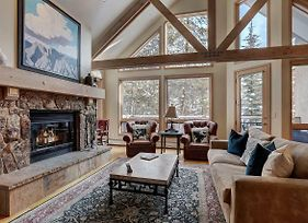 Luxurious 3 Bedroom/4 Bath Townhome- Beaver Creek Ski-In/Out Townhouse photos Exterior
