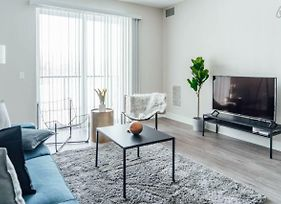 Modern Condo Near Ohare And Midway Airport Oak8 photos Exterior