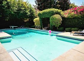 Charming La Oasis Home With Pool-Great Location P3 - 30 Night Minimum photos Exterior