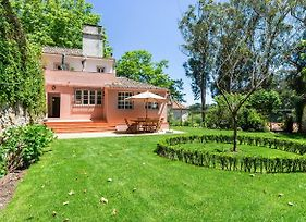 Dreamy 3-Bedroom Cottage With Garden In Sintra photos Exterior